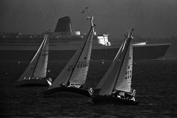 Liner France - Jonathan Eastland