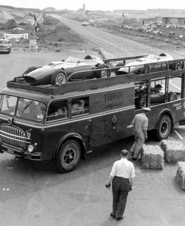Camion de Luxe - LAT Archive